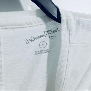 🎁 Universal Thread White V Neck Top